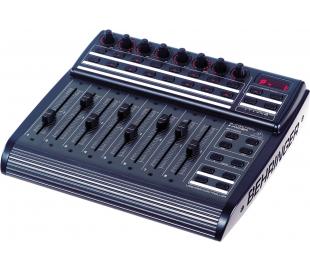 Mixeur Behringer BCF-2000